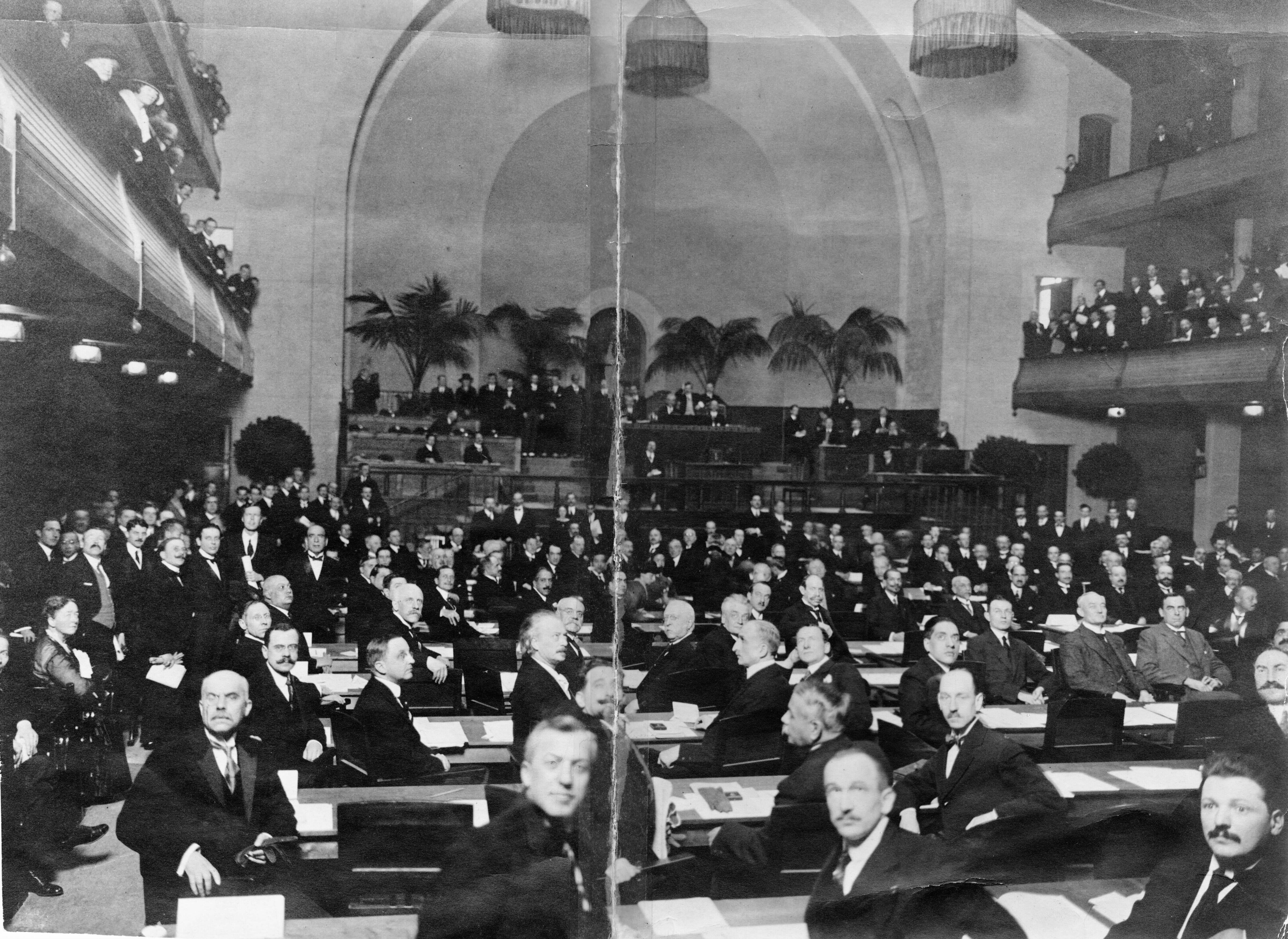 1st meeting of the Assembly, November 15th 1920, Geneva - Copyright A11 Photographie Boissonnas, Genève